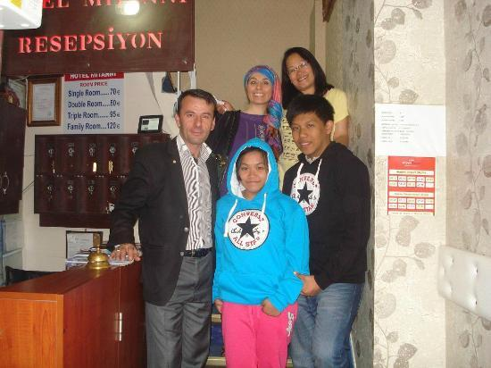 Artemis Old City Hotel: Pix with mitanni staff