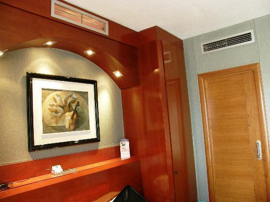 hotel villa de barajas:
