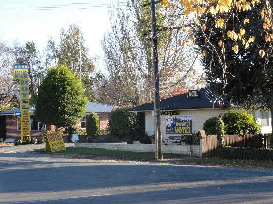 Aorangi Motel: The motel is a very easy close walk to town.