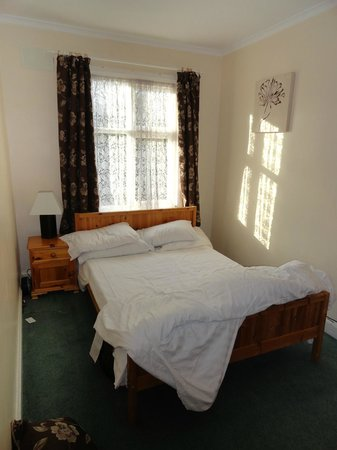 Wincham Hall Hotel and Gardens: Double Bed
