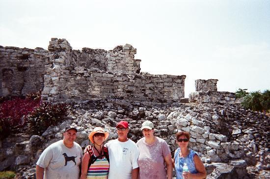 Avenida Tulum: Tulum ruins