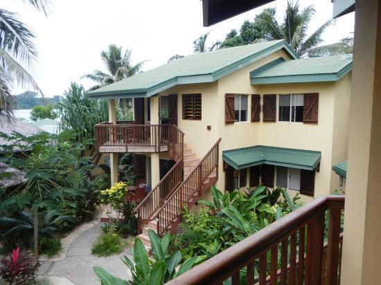 Poppy's on the Lagoon : vue facade des suites lagune