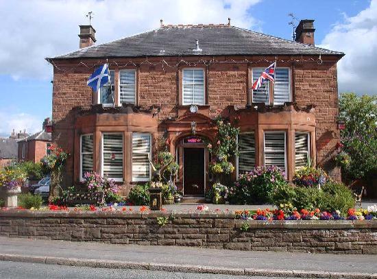 Hazeldean House: Hotel Front