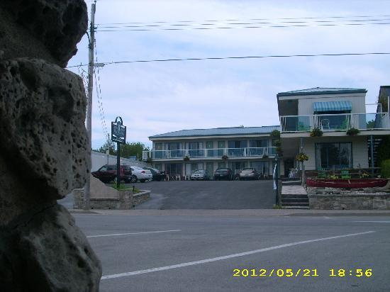 Blue Bay Motel : From the Bruce Trail Cairn