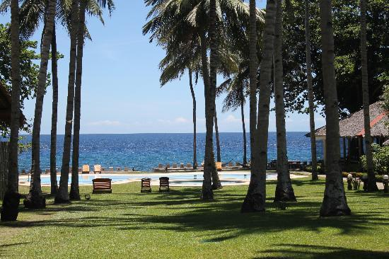 Bahay Bakasyunan Sa Camiguin: view from the dining area