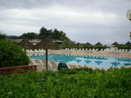 Piscine picture of hotel club marina viva porticcio for Club piscine shawinigan sud