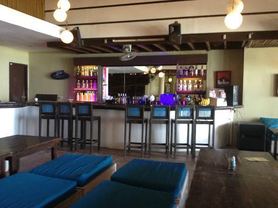 Deja Vu : The Bar inside