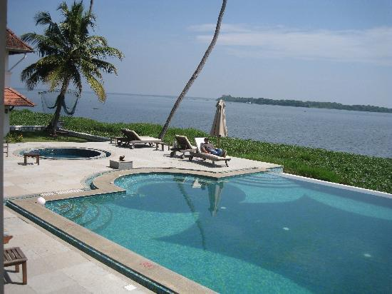 Swimming Pool Fotograf A De Lemon Tree Vembanad Lake Resort Alappuzha Tripadvisor