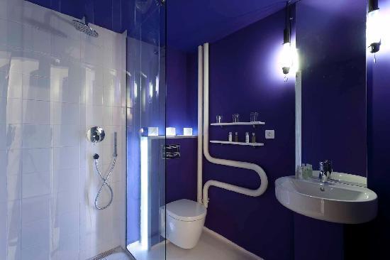 Fusion Hotel Prague: bathroom