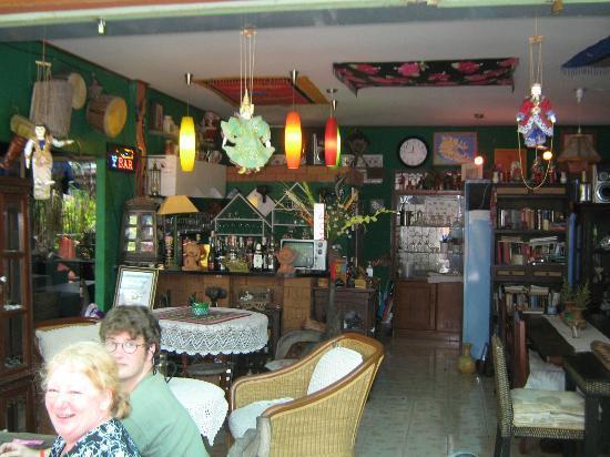 Gecko Cabane Restaurant: Thai/European eclectic.  A nice Atmosphere.