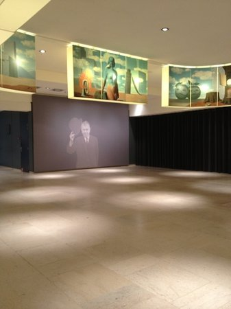 Musee Magritte Museum - Royal Museums of Fine Arts of Belgium : hall