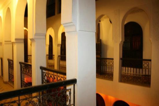 Riad Khabia: hallway