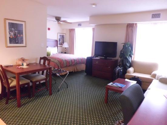 Homewood Suites Providence-Warwick: A Studio Suite