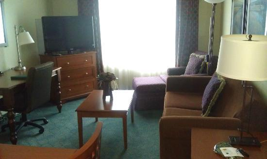 Homewood Suites Holyoke-Springfield/North: King Sitting Area
