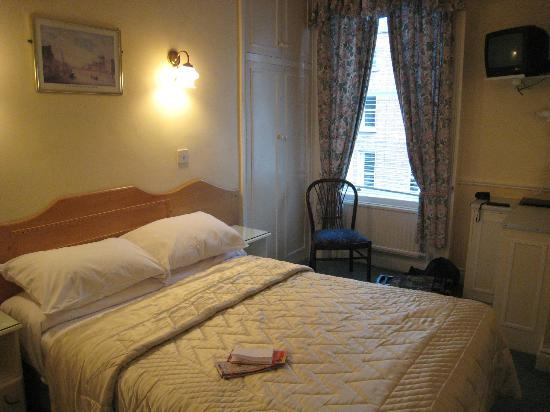 Dergvale Hotel: Vue chambre