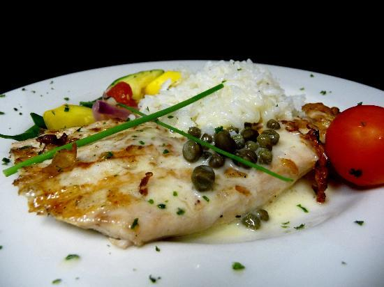 Augusta Grill : Grilled mahi mahi with lemon caper sauce, jasmine rice and fresh summer vegetable medley