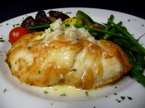 Augusta Grill : Sauteed black grouper with crabmeat beurre blanc
