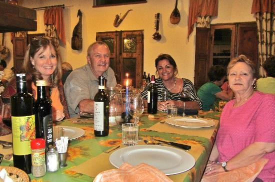 Il Canto del Sole: Wonderful friends, wonderful vacation