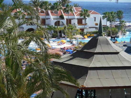Parque Santiago: View to Pool