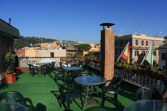 Farnesina Hotel: Terrazzone ultimo piano