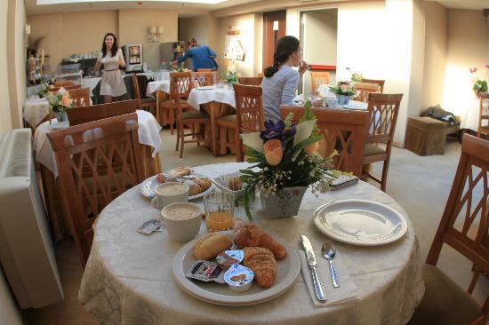 Farnesina Hotel: Colazione