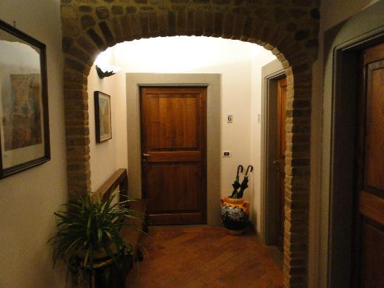 Villa Le Torri: Entry to our room