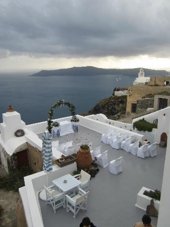 Altana Traditional Houses and Suites: Setting up for our wedding