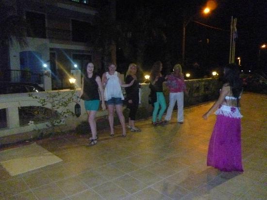 Club Amaris Apartments: turkish night