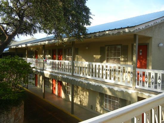 Best Western Sunday House Inn: Interior Rooms