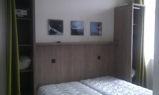 Belambra Clubs - Le Castel Sainte Anne : Chambre lits séparés