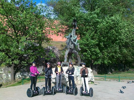Segway Tours Krakow: Dragon of Wawel castle and the Segs