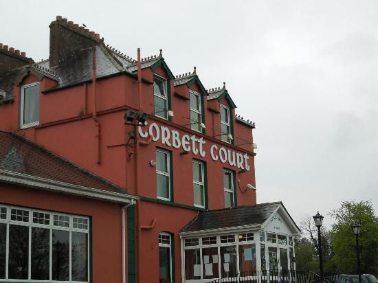 Corbett Court Hotel: Outside