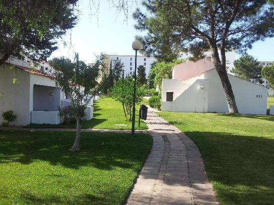 Alfamar Beach & Sport Resort: Hotel grounds