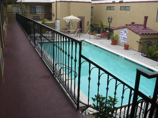 Crimson Hotel: The pool from my second floor room