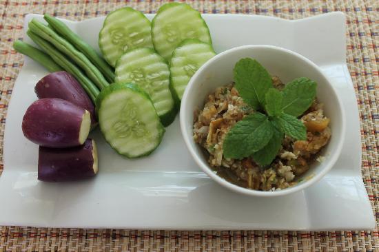Siam Kitchen : Chili-Shrimp Sauce with Fresh Veggies