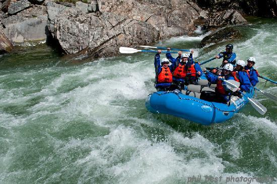 Nelson Whitewater Rafting Co.: Great times on the Salmo River