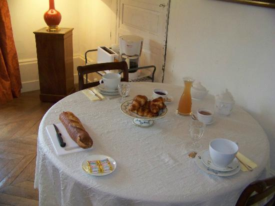 Breakfast at Domaine de la Rue
