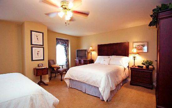 DesBarres Manor Inn Tory Room