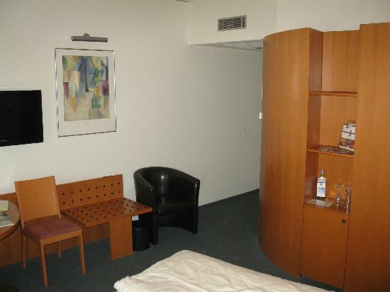 Hotel am Borsigturm: Zimmer 408 !