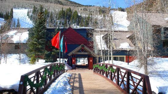 Cimarron Lodge : Exterior