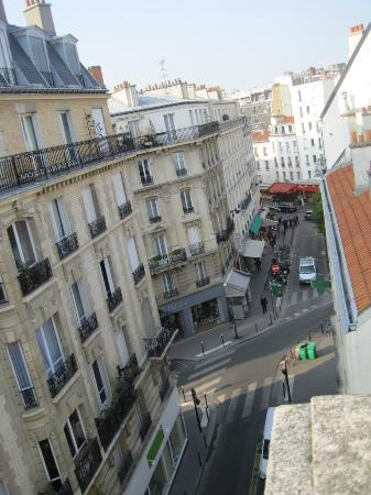 Hotel Delos Vaugirard Paris: View from balcony
