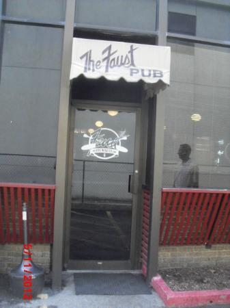 The Faust Brewing Company: Side Entrance to the Faust Brewing Co. Pub