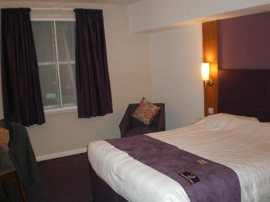 Premier Inn Scarborough Hotel: hotel room