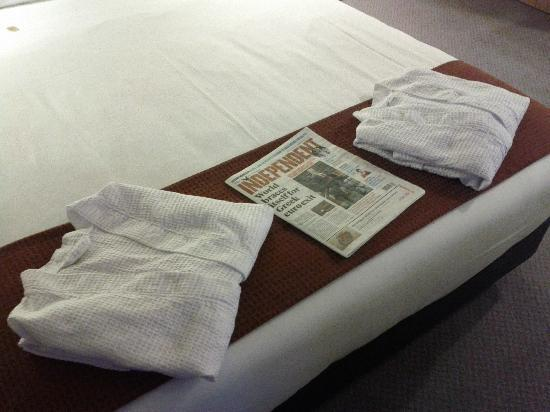 Holiday Inn Salisbury Stonehenge: Bathrobes and Paper
