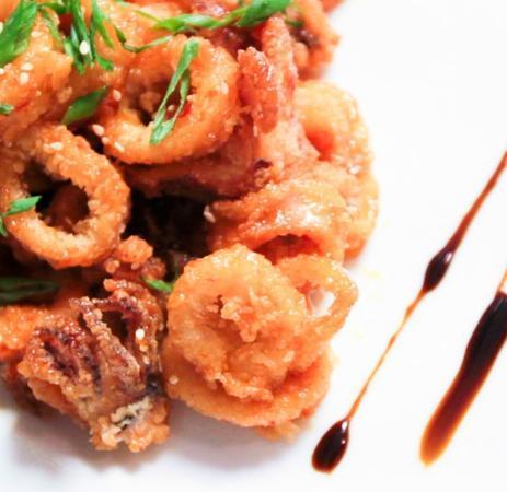 Mitchell's Ocean Club: Point Judith Calamari, Sweet Chili, Candied Cashews