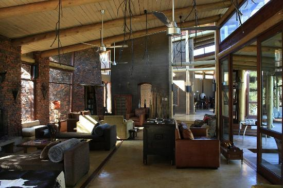 Marataba Safari Lodge: View of the comfortable lounge area of the lodge