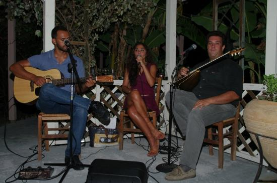 Jerry's Elliniko: From end of June live music! A fantastic trio!