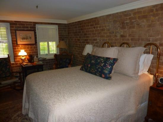 "Ballastone Inn: The ""Low Country"" room"