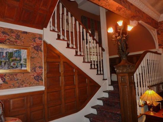 Ballastone Inn: Stairs