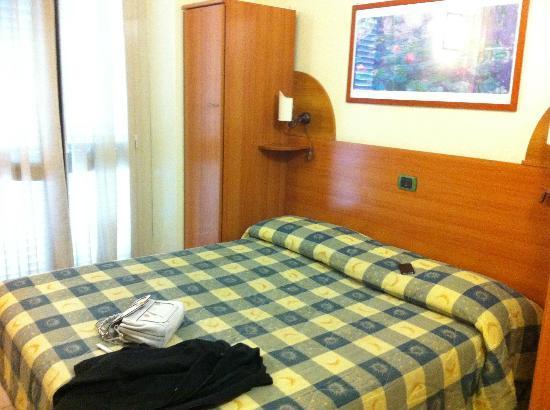 Eden Hotel: stanza